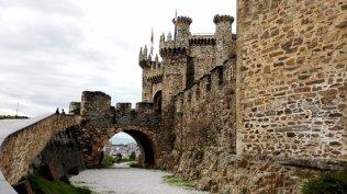 antigua-entrada-al-castillo
